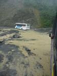 On comprend pourquoi les bus finissent dans le ravin...