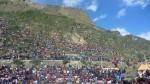 spectateurs envahissant la citadelle Inca