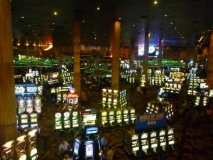 Un interieur de casino...les sousous volent !