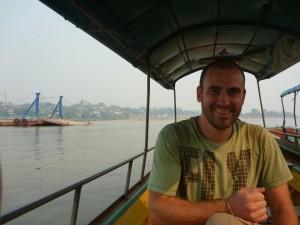 Traversee du Mekong pour arriver au Laos