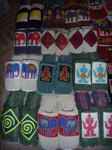 pantoufles : 2,5 euros (coloris et motifs divers)