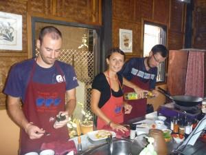 Cours de cuisine avec les potes francais