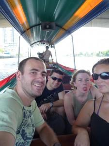 Sur les canaux de Bangkok