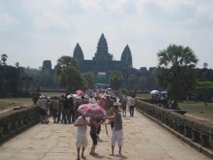 Angkor Wat bonde, mais impressionnant
