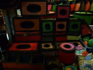 boites a mouchoirs/PQ/serviettes en osier : de 2 a 3 euros selon taille