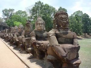 Devant la porte d'Angkor Thom
