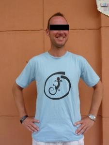 T-shirt Gecko (taille M sur mannequin anonyme) :1,5 euros S-M-L-XL