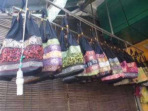 sacs +/- 30 cm : 2,50 euros