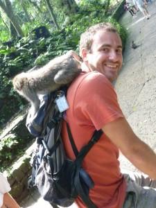 Pierol et son nouvel ami... a son tour d'attrapper des poux ;-)