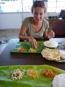 Premier thali : on ne mange qu'avec la main droite