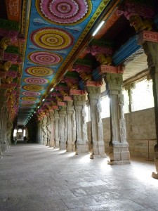 Le couloir aux mille colonnes