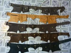 Coloris des ceintures a poches (texture style daim ou cuir)